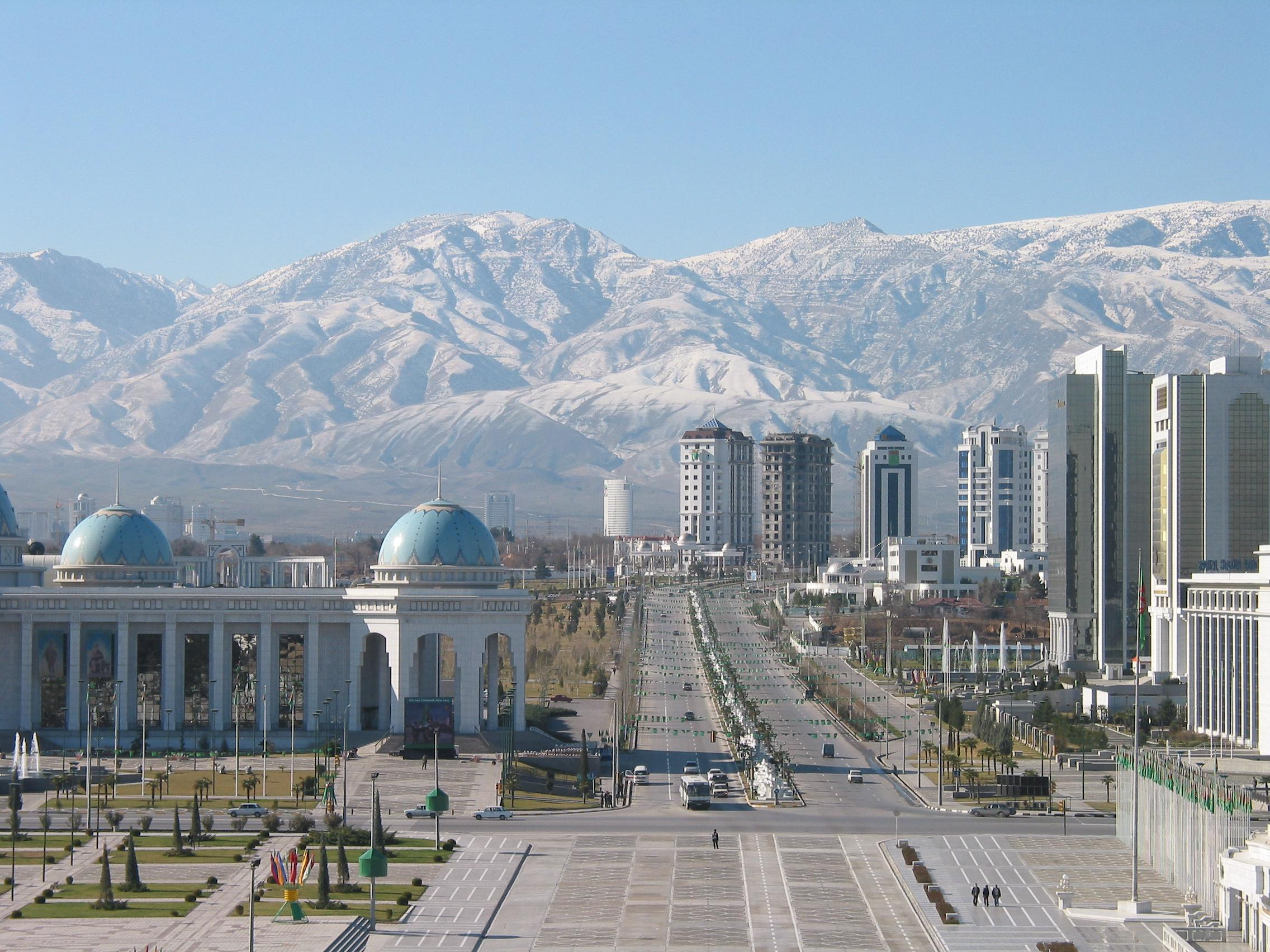 turkmenistan darvaza asjabad capital